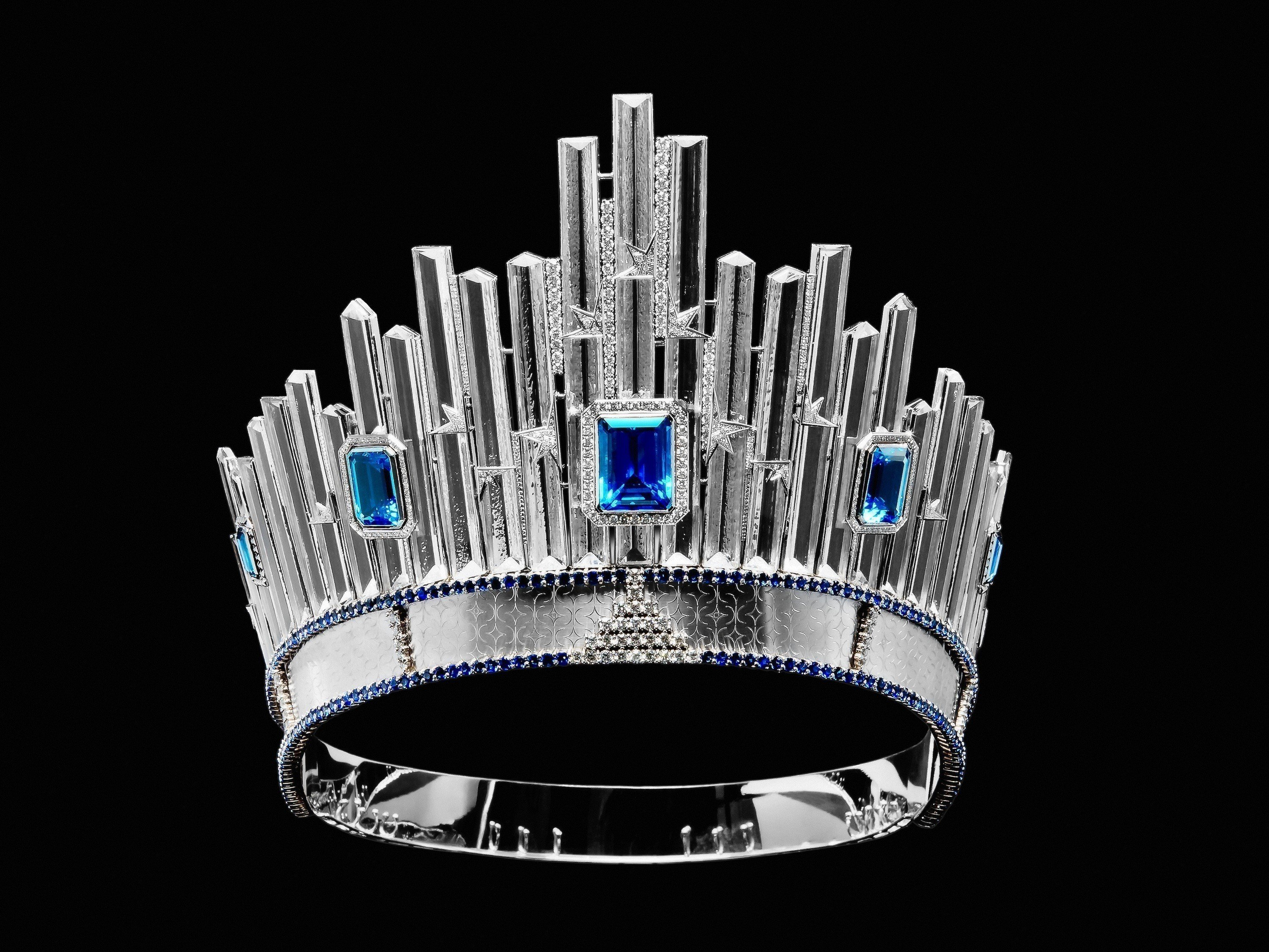 xmiss-universe-crown.jpg.pagespeed.ic.AzOvKw8qMg